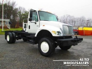 2004 International 7400 Cab & Chasis