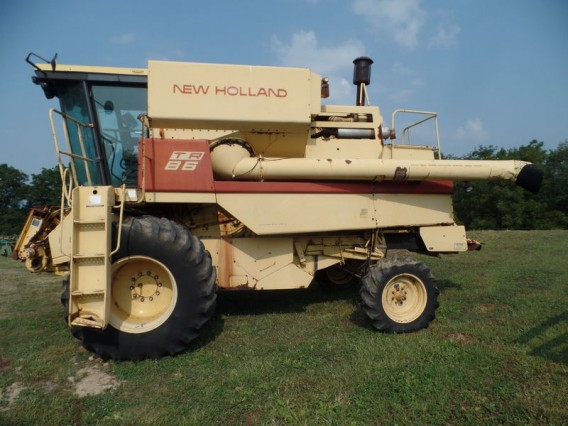 1986 New Holland TR86