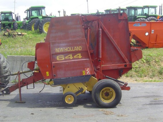 1996 New Holland 644