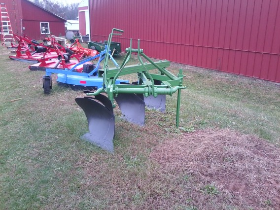 John Deere 3-bottom plow
